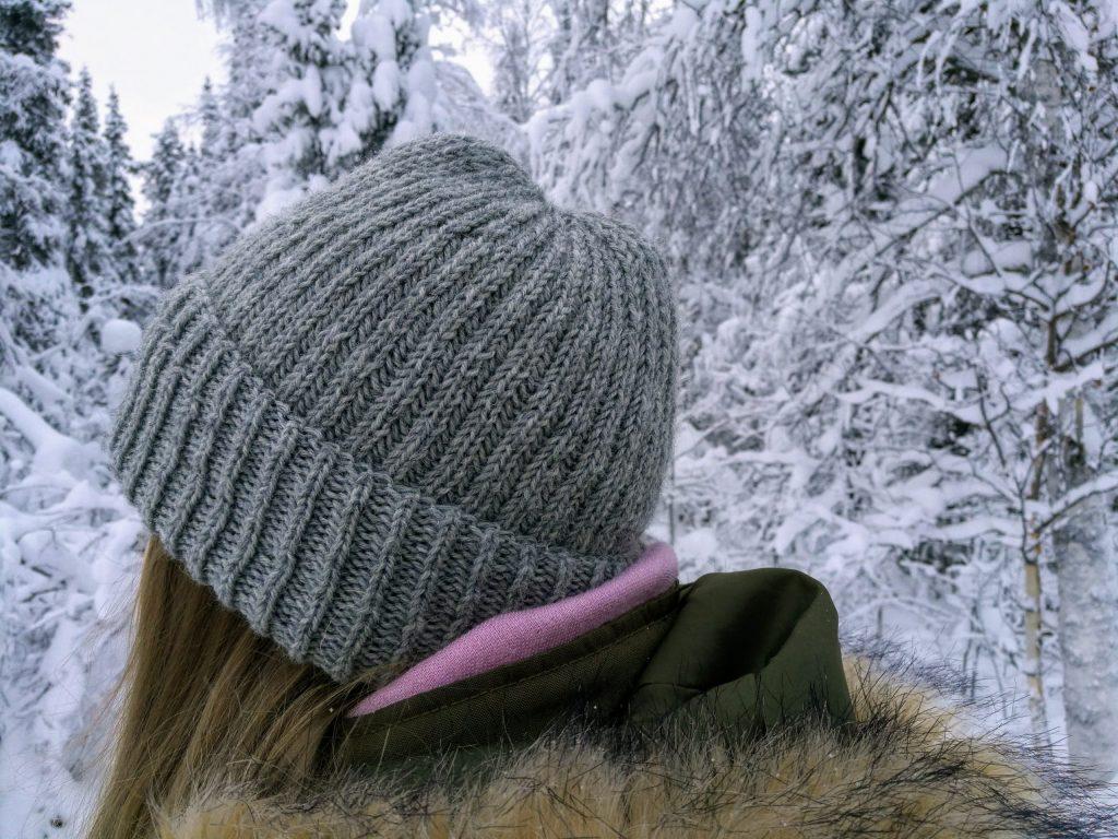 Grey brioche hat knitted with Novita Nalle (DK weight yarn).
