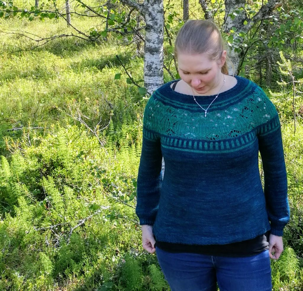 Zweig sweater by Caitlin Hunter. Seamless top-down colorwork and lace sweater knitted with Hedgehog Fibres yarn.